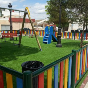 Ciutadans vol tancar el perímetre dels parcs infantils públics de Valldoreix per evitar la presència de porcs senglars