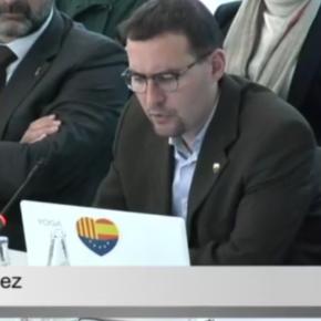 Sergio Blázquez li reclama a l'alcaldessa que retiri la pancarta partidista de la façana de l'Ajuntament